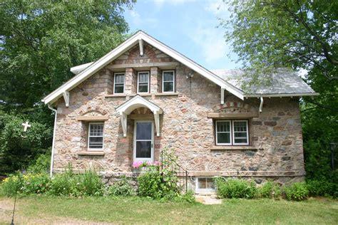 stone houses stone house