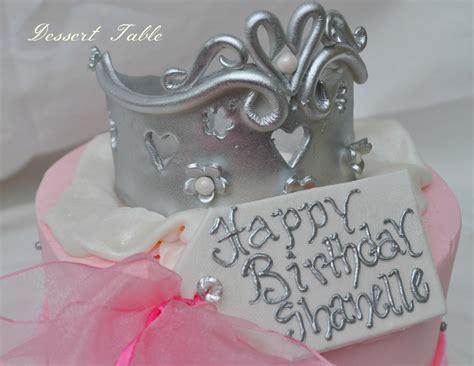 fondant gift tag and tiara fondant and gumpate edible