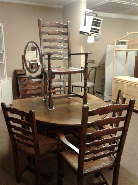 pennsylvania house dining set delmarva furniture consignment dining table 6 chairs w hutch delmarva furniture consignment