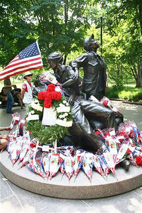 1 year memorial flowers aims to make memorial day sacred again ny daily news