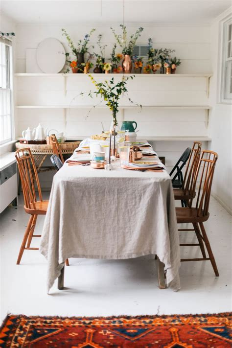 Dining Room Table Cloth Best 25 Mismatched Table Setting Ideas On Pinterest Shabby Chic Rug In Dining Room And