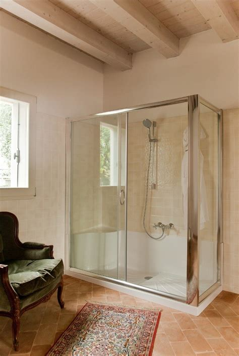 piatto doccia con cabina cabina doccia in vetro temperato cabina con telaio in
