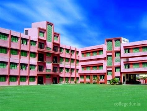 Central College Mba Fees by Central S College Of Education Cwce Lucknow