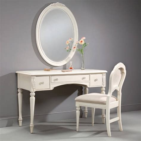 Bedroom Vanity Accessories by Makeup Vanity Set With Lighted Mirror Agsaustin