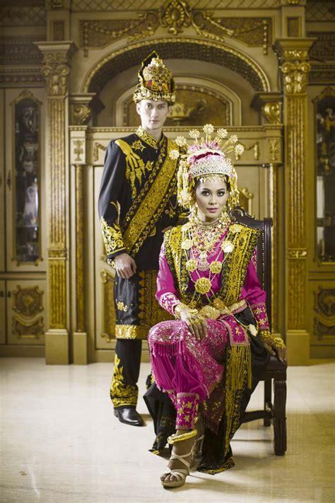 Baju Nikah Adat Aceh cantik elegan sang dara baro weddingku