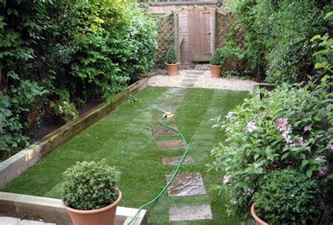 Stai La Casa Si Ai O Gradina Mica Iata Cum E Recomandat Small Garden Planting Ideas
