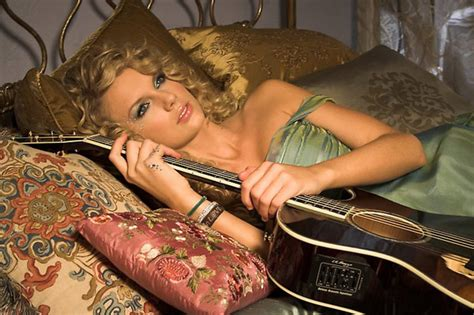 taylor swift in bed taylor swift s sex life bedroom secret revealed after