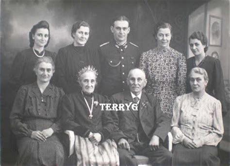 Frame Foto Family Kereta jerman mutterkreuz medali persembahan untuk