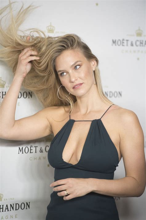 bar refaeli bar refaeli at moet chandon in madrid 11 29 2016