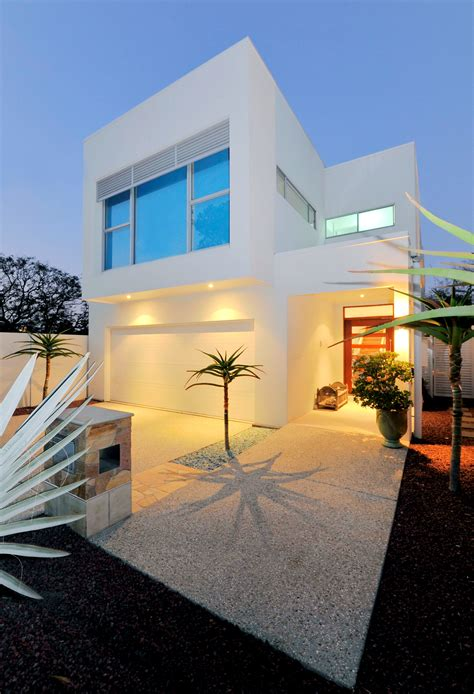 Small Lot House Plan Idea ? Modern Sustainable Home