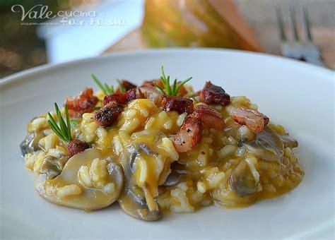 risotto coi fiori di zucca risotto zucca funghi e pancetta ricetta primo piatto