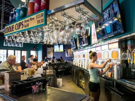 daquiri deck top 10 venice island area restaurants and bars