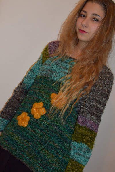 maglia a fiori maglia con fiori gialli donna abbigliamento di