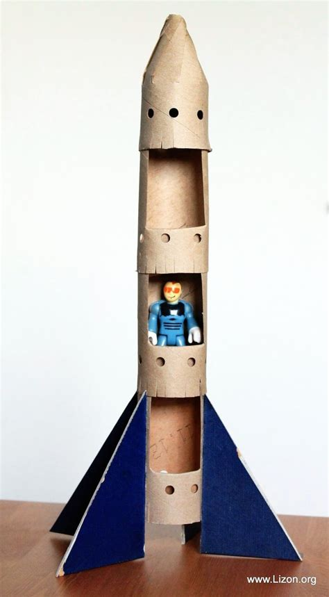 How To Make A Spaceship Out Of Paper - 1000 ideas about rocket ship craft on rocket