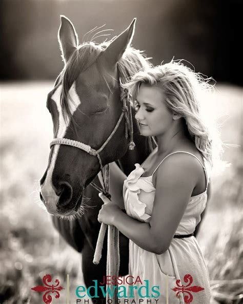 cute hairstyles for horses 1000 ideas about cowgirl senior pictures on pinterest
