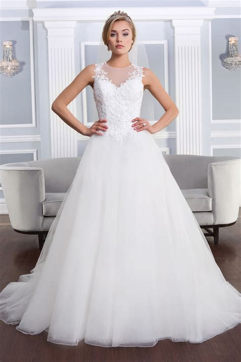 The 25 Most Popular Wedding Gowns of 2014   crazyforus