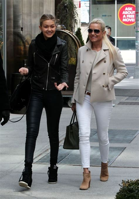what brand are yolanda foster skinny jeans more pics of yolanda foster skinny jeans 8 of 8