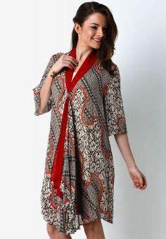 Foto Dress Batik Danar Hadi batik on batik dress kebaya and stella jean