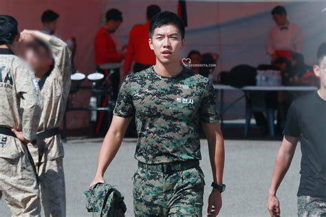 lee seung gi special forces 10 pictures of lee seung gi s army transformation koreaboo