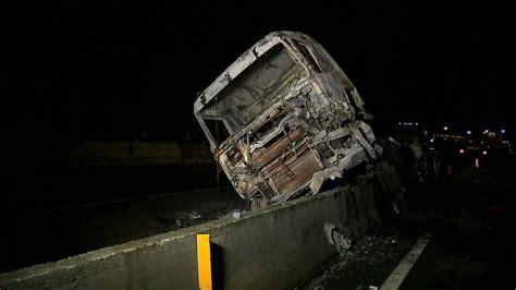 espaa tres milenios de 8496467511 tr 234 s pessoas morrem em acidente entre caminh 227 o tanque e 12 ve 237 culos no paran 225 globonews