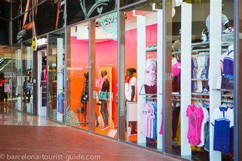 maremagnum shopping centre to barcelona port