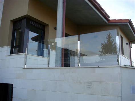 barandillas de aluminio y cristal barandillas dise 241 a soluciones en vidrio