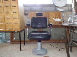 fauteuil de coiffeur vintage les vieilles choses