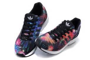 Hombres Adidas Originals Zx Flux Print Zapatos Azul Rojo Negro Zapatos P 886 hombre mujer adidas zx flux firework prints zapatos