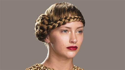 image de coiffure des coiffures 224 r 233 aliser soi m 234 me cosmopolitan fr