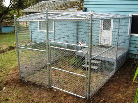 backyard dog kennel ideas homemade outdoor dog kennel www imgkid com the image