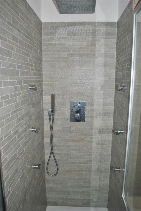 cabina doccia in muratura foto di box doccia in muratura con curve e nicchie