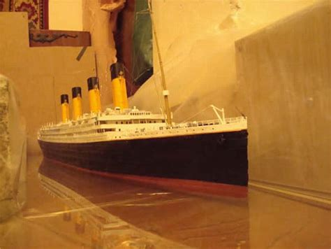 How To Make Paper Models - a paper model of titanic 22 pics
