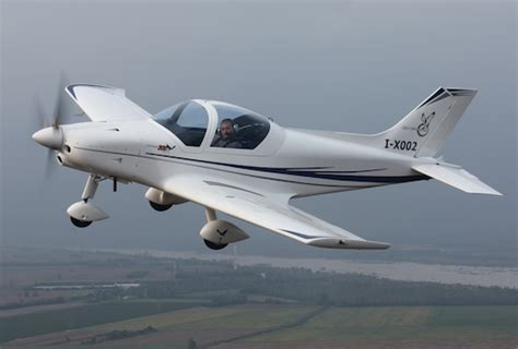 alpi aviation pr 233 sente le 300 kite version lsa du pioneer