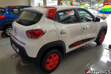 renault kwid  anniversary edition ice cool white rear