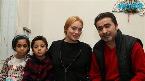 lindsay lohan visits refugee c in turkey youtube