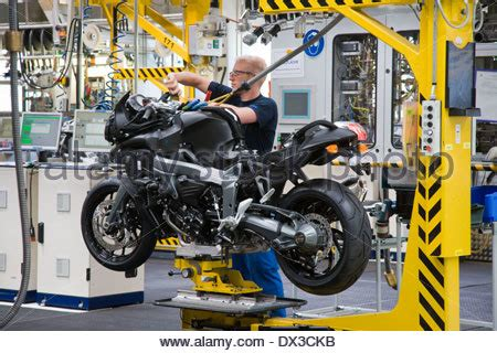 Bmw Motorcycles In Berlin by Production Bmw Motorcycle Factory In Berlin Germany