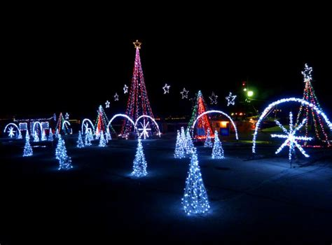 christmas light shows in michigan enjoy michigan winters with these affordable holi dates