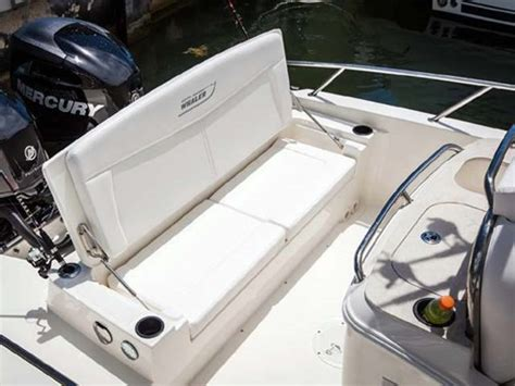 whaler boat seats 2014 boston whaler 270 dauntless center console boat