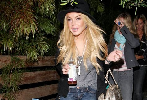 Is Lindsay Lohan Friends With Another Socialite In Rehab by Lindsay Lohan Friend 158180 Photos The Blemish