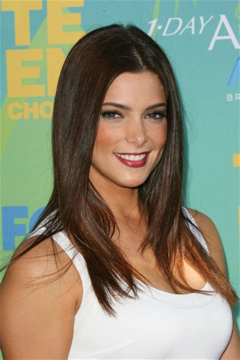 ashley greene medium length hairstyles 2014 straight hair ashley greene beauty riot
