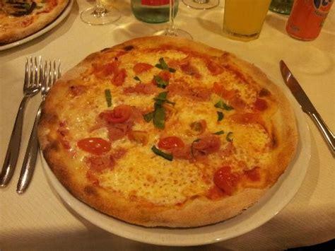 sedere floscio pizza carrettiera foto di il volo cinisello balsamo
