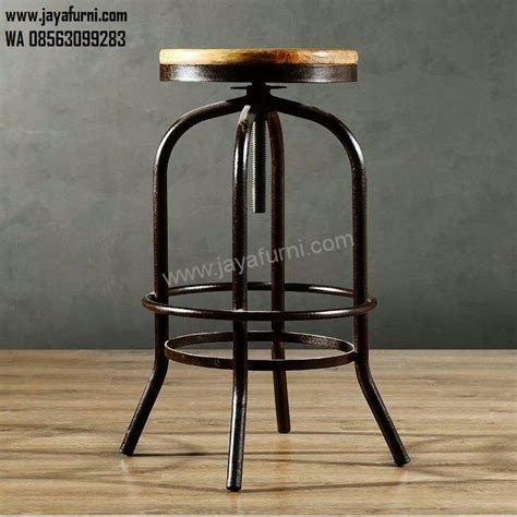 Jual Meja Kursi Bar Bekas kursi bar besi putar dudukan kayu solid jayafurni mebel