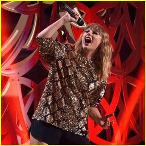 taylor swift end game original taylor swift debuts end game live with ed sheeran at
