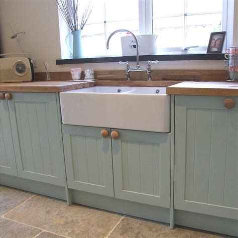 painted shaker kitchen cabinets 1000 images about jill s kitchen on pinterest