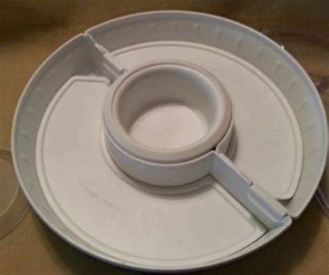 pered chef chillzanne sectional server pered chef 2791 chillzanne round sectional server w