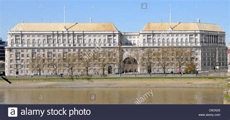 thames house mi5 thames house on millbank hq of mi5 security service stock