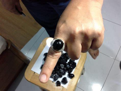 Cincin Batu Akik Black Safir jual bongkahan batu permata akik black safir