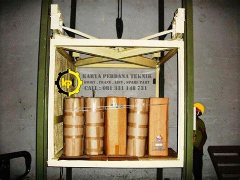 Cargo Lift Lift Barang Elevator hoist crane lift hoist crane cargo lift passenger lift dan jasa fabrikasi instalasi