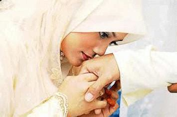 Fatwa Fatwa Ulama Seputar Pernikahan Hubungan Suami Istri Percerai membayangkan istri artikel mutiara islam bagi muslimah