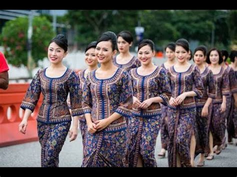 Singapore Airlines Cabin Crew by